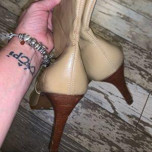 Diba Shoes - DIBA TAN STILETTO BOOTS SIZE 8